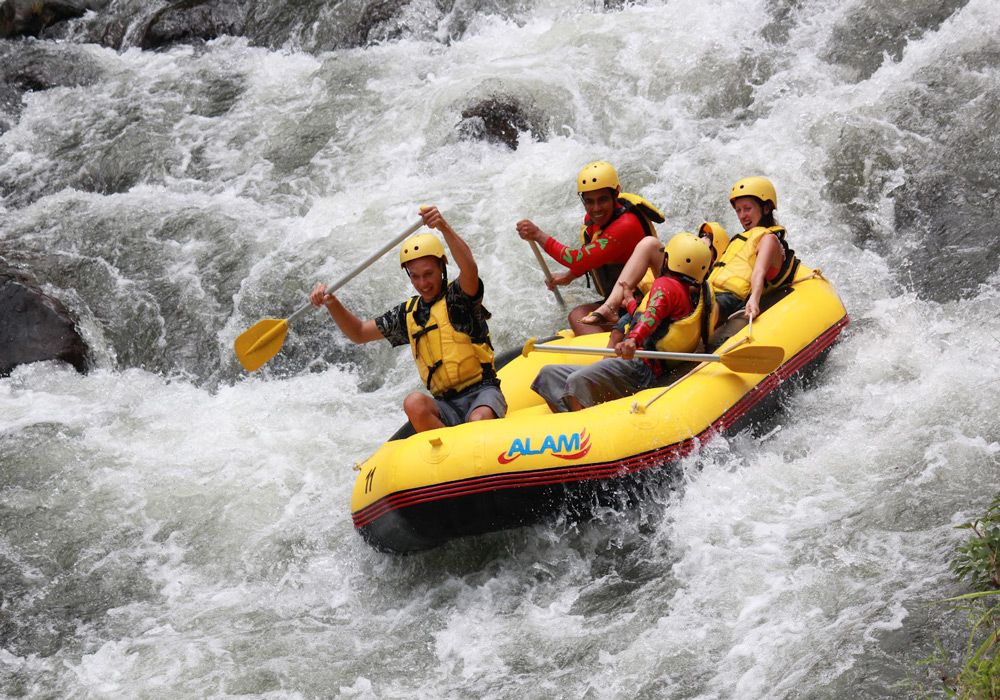 Рафтинг по реке