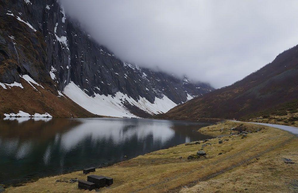 Озеро Люгнстёйлсватне