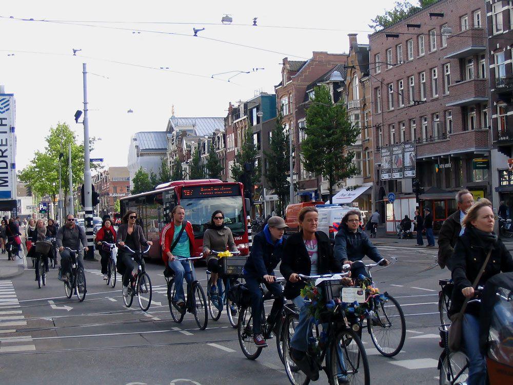 Велосипедисты в Голландии