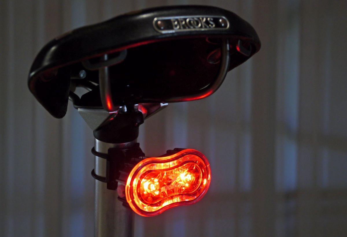 Задний велосипедный фонарь