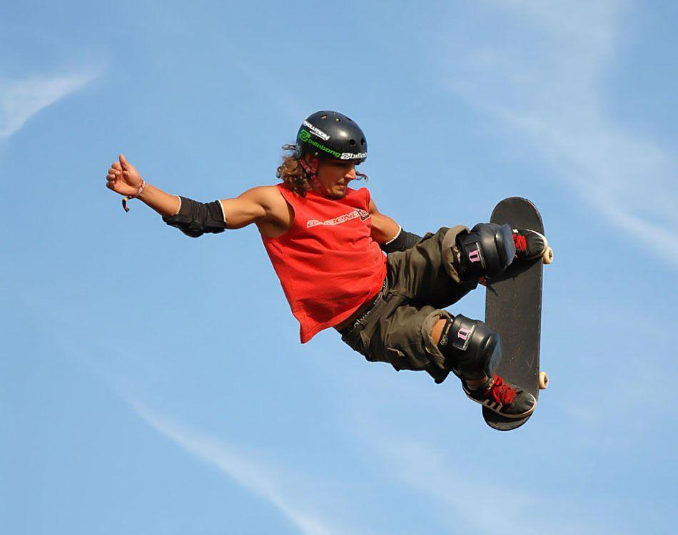 Прыжок на скейтборде
