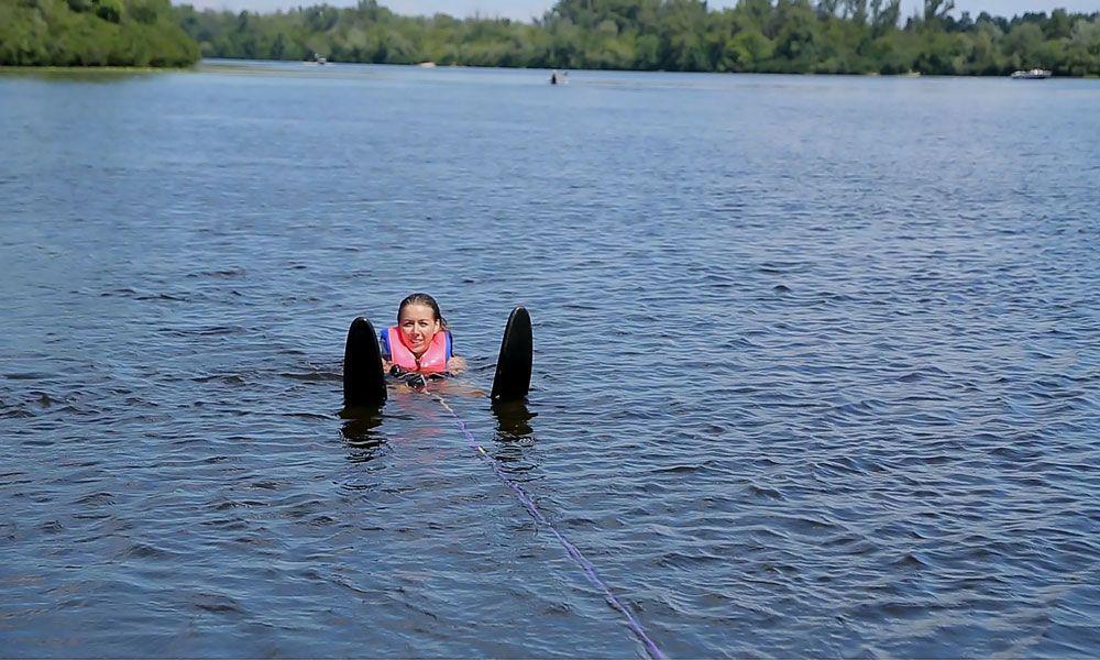 Старт на водных лыжах