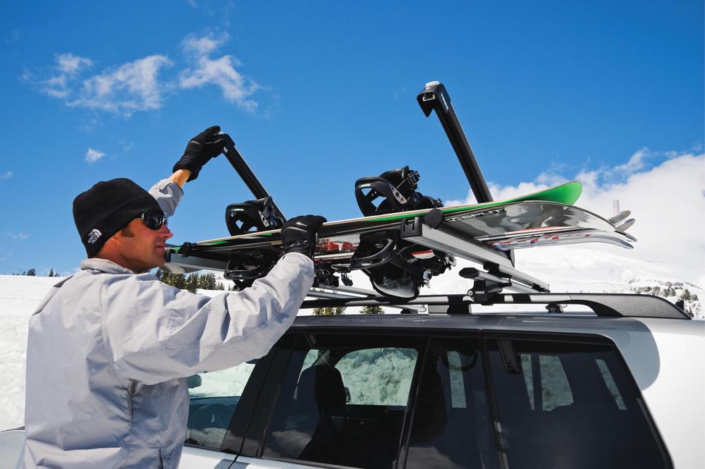 Багажник для сноуборда на крышу авто