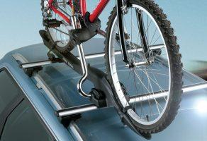 Велосипед на крыше автомобиля