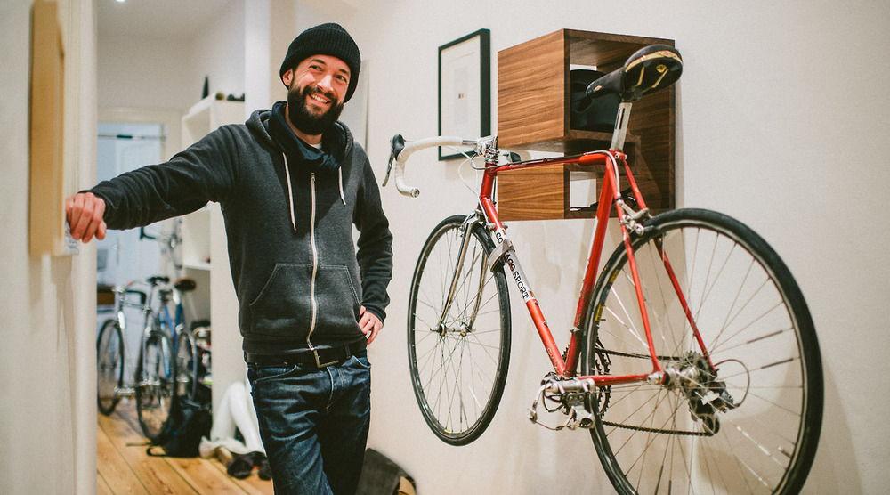 Деревянное крепление для велосипеда