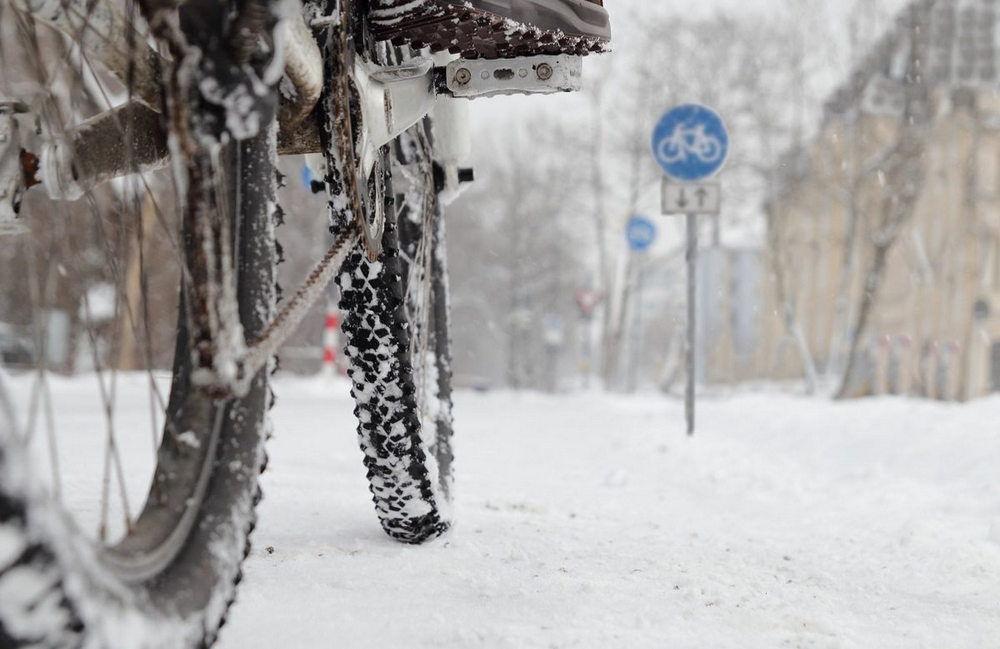 Велосипед с зимней резиной