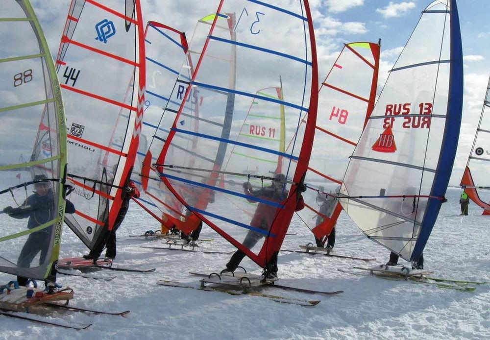 Лыжи с парусами