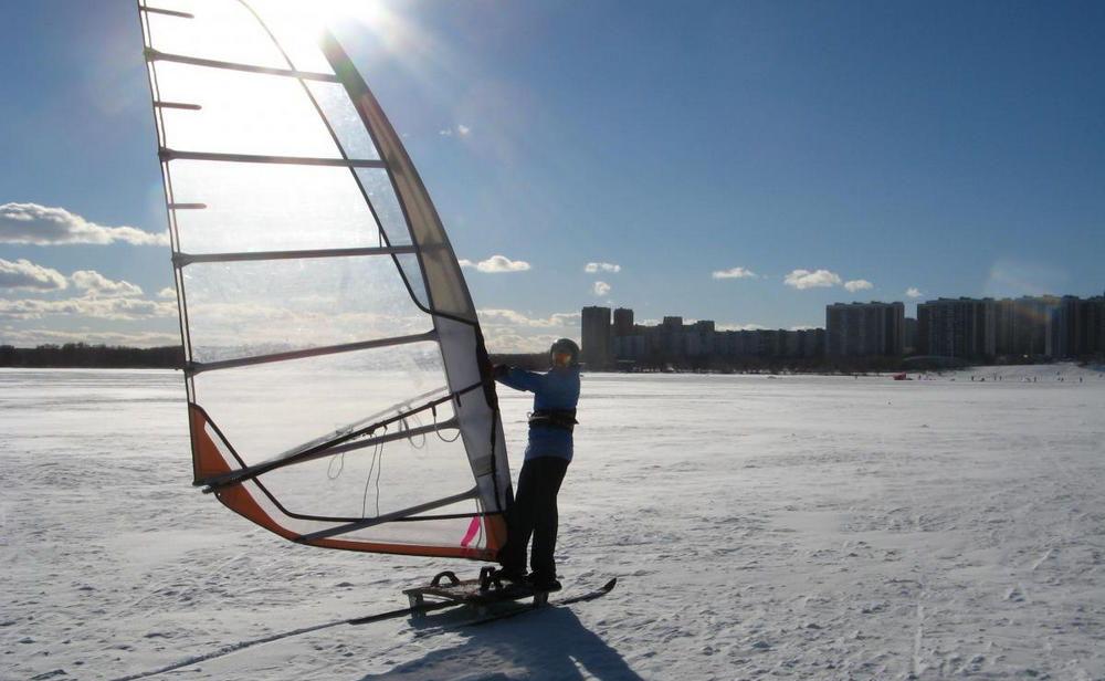 Виндсёрфинг на льду