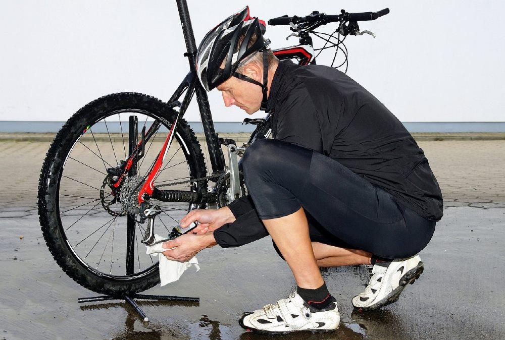 Предварительная очистка велосипеда
