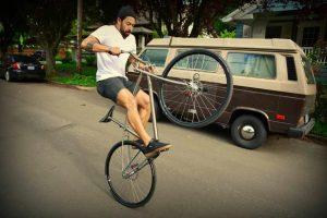 Как ездить на заднем колесе велосипеда