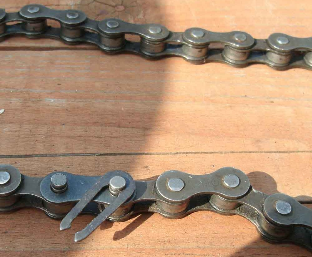 снятая велосипедная цепь