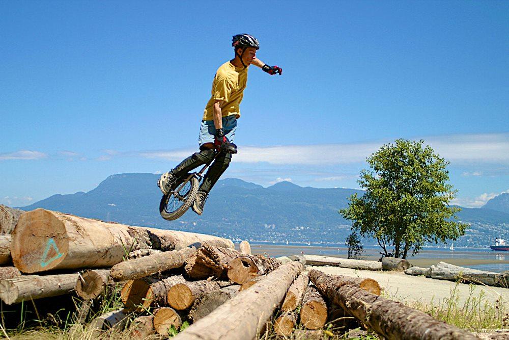 велосипед с одним колесом