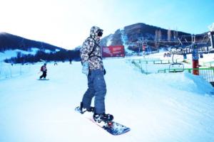 на сноуборде в цахкадзоре