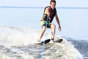 Водные лыжи – что это?