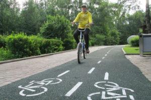 Достоинства и недостатки использования велосипедных дорожек