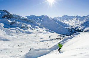 Катание на горнолыжном курорте