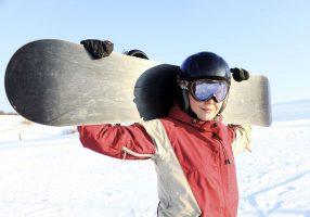 Сноубордист в маске