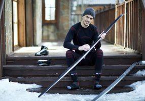 Лыжник в термобелье