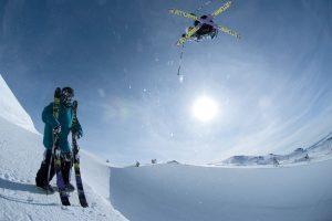 Прыжок на горных лыжах