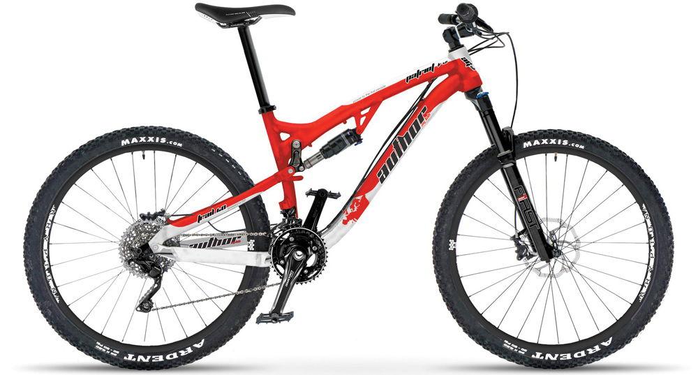 Красный двухподвесный велосипед