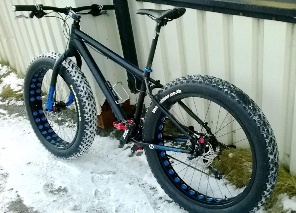 Велосипед с зимними покрышками