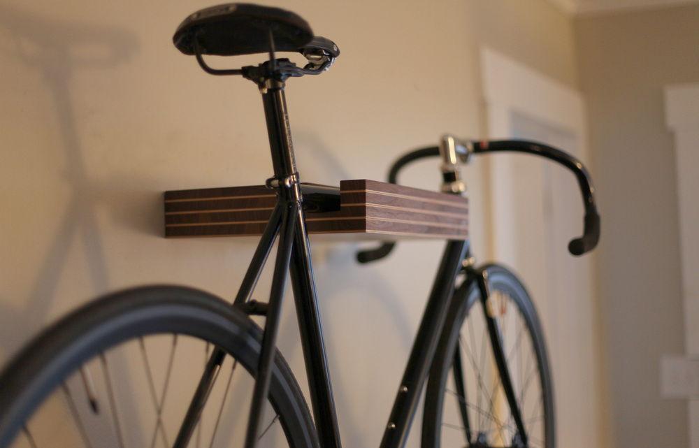 Полка-крепление велосипеда