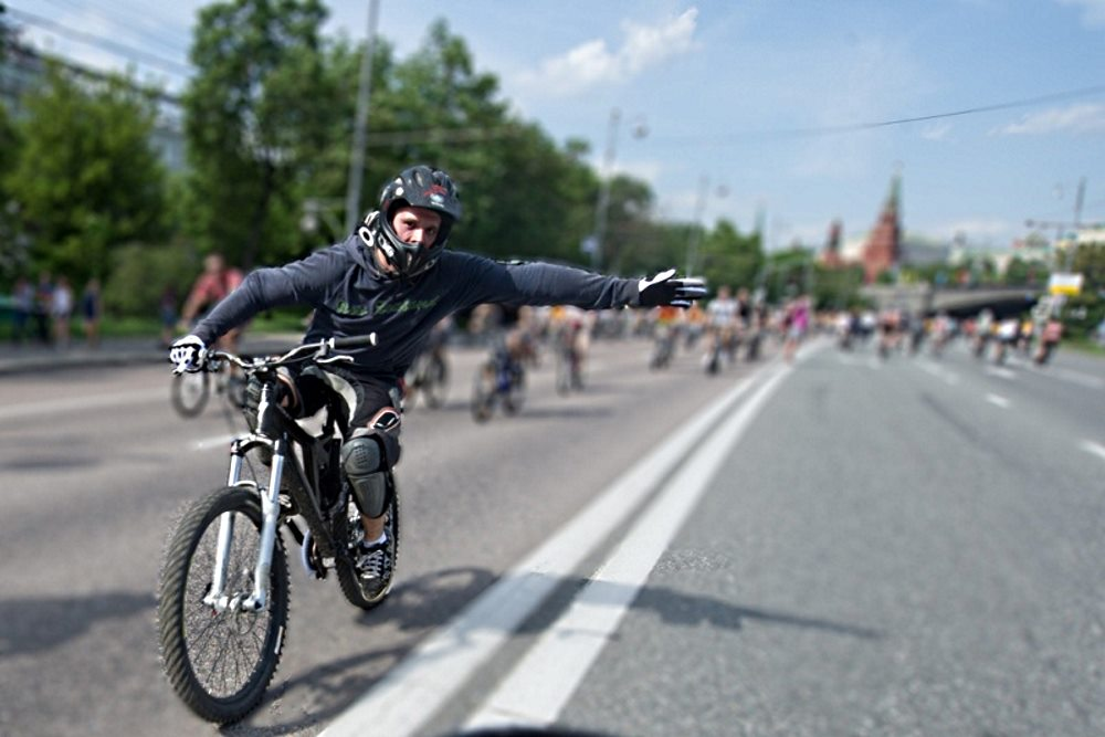 Правила поворота на велосипеде