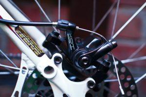 Велотормоз с тросиком