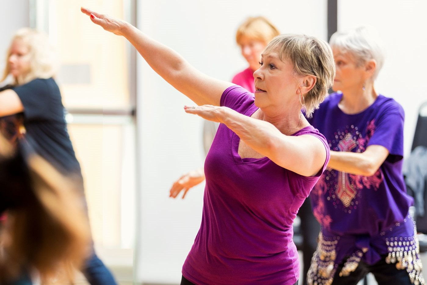 фото танец пожилые знакомые администрации