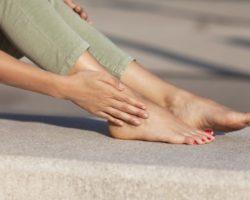 5 проблем со здоровьем, которые можно определить по ногам