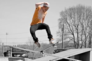 Катание на скейтборде
